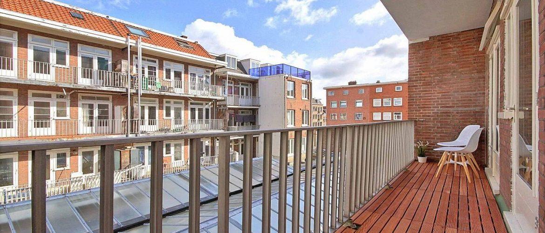 Uitzicht vanaf terras appartement